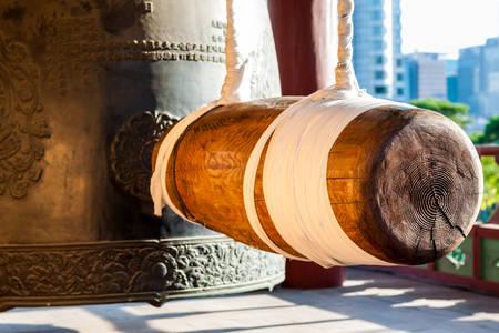Glocke im buddhistischen Tempel Bongeunsa