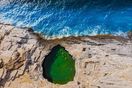 Giola natural pool