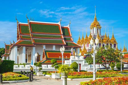 Храмът на Ват Ратчанатдарам в Банкок