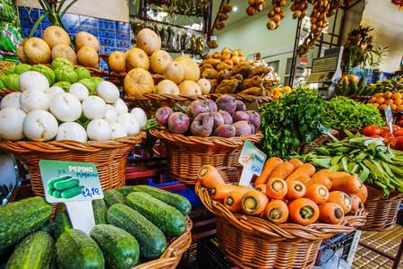 Прилавок з овочами