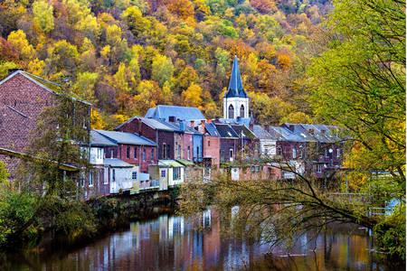 Vue sur la rivière Fesdre sur la commune de Chaudfontaine