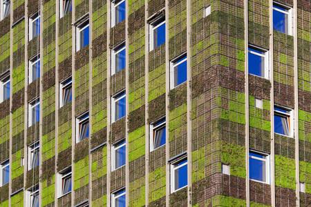 "Building with ""green walls"" in Santiago"