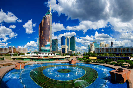 Fountain on Round Square in Astana
