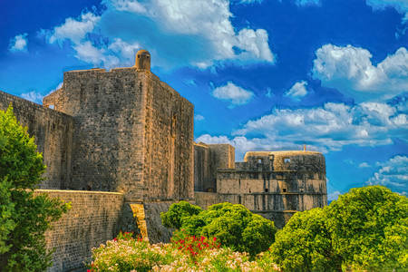 Стени около стария Дубровник