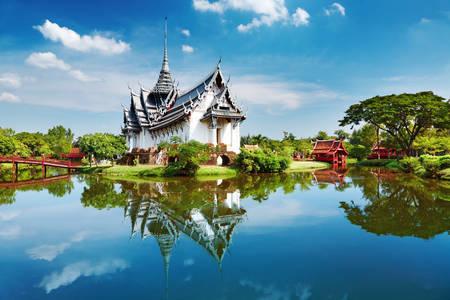 Sanphasat Palace