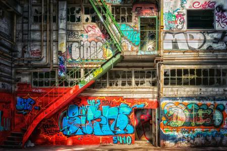 Grafiti na napuštenim mestima