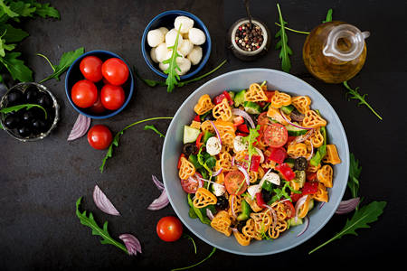 Pasta, vegetable and mozzarella salad