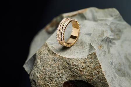 Δαχτυλίδι στην πέτρα