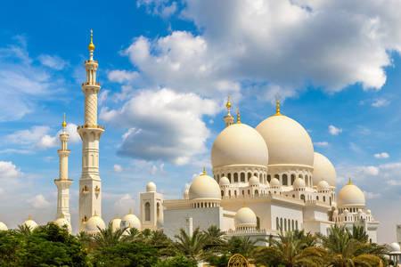 Mešita šejka Zajeda v Abú Zabí