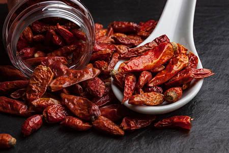 Αποξηραμένες πιπεριές τσίλι