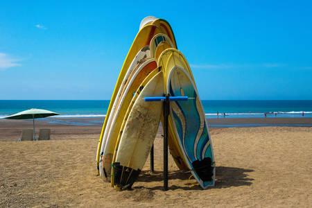 Daske za surfovanje na plaži