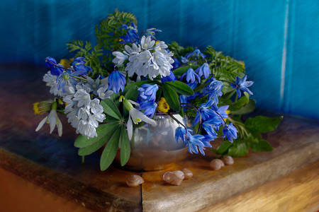 Bouquet with snowdrops