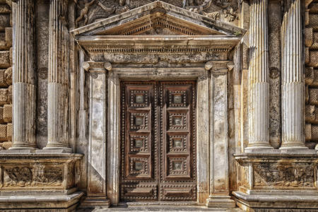 Puertas de palacio