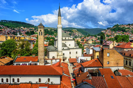 Άποψη του Σεράγεβο και του τζαμιού Γκάζι Χουσρέφ Μπεγ