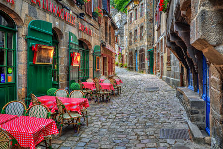 Café de rua em Dinan