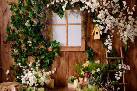 Drvena fasada u cveću