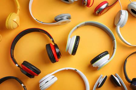 Много слушалки
