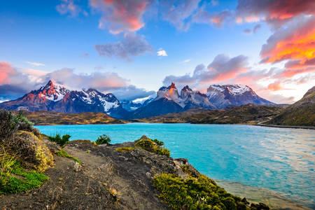 Lake Peoe in Torres del Paine