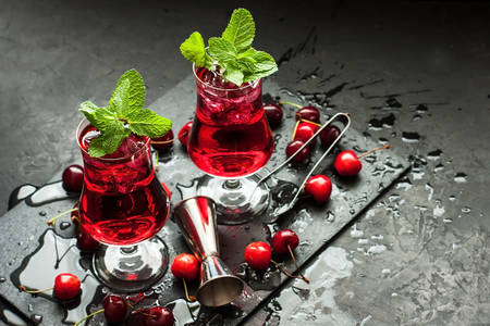 Cherry and mint drink