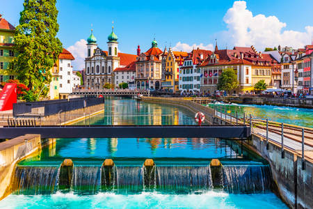 Slikovita panorama Starog grada u Lucernu