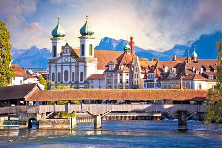 Kaplnkový most a kostol svätého Františka Xaverského