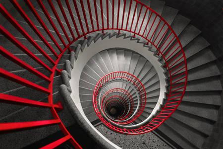 Винтовая лестница в старом здании