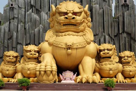 Sculptures at Suoi Tien Amusement Park