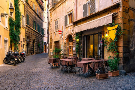 Улочка в Риме