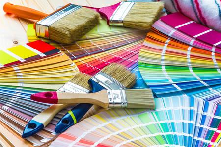 Paleta kolorów na stole