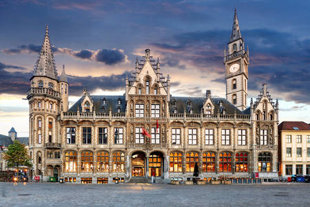 Postgebäude in Gent