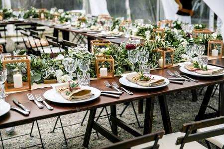 Serviert Hochzeitstisch