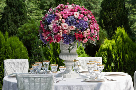 Prostírání na svatební hostině