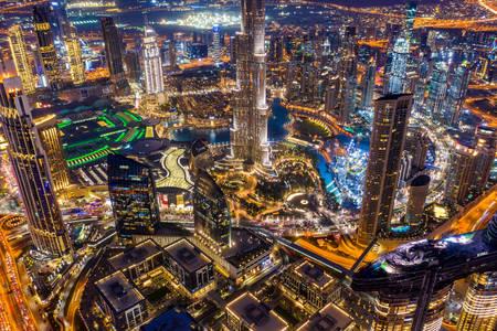 Dubai'nin gece görünümü