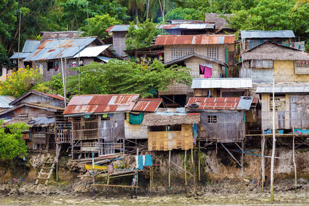 Garbage houses in the Philippines