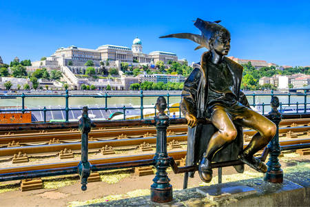 "Sculpture ""Little Princess"" in Budapest"