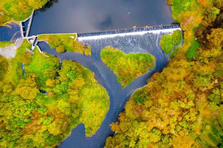 Νησί σε σχήμα καρδιάς στο πάρκο Verkhnyaya Berounka
