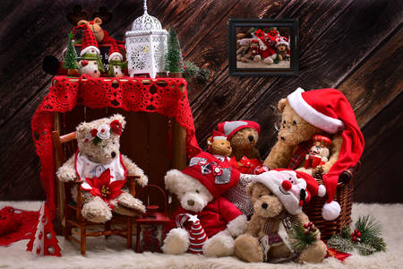Teddy bears dressed as Santa Claus