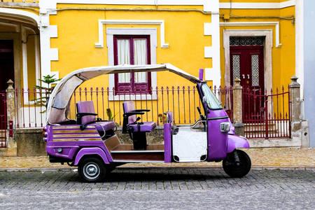 Tuk-Tuk v Lisabone