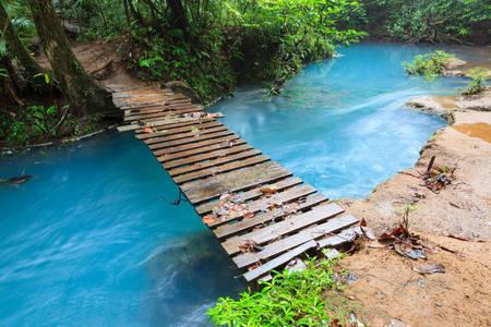 Деревянный мост через реку Селеста
