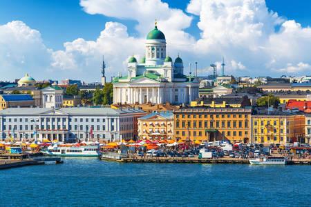 Вид на набережную и Кафедральный собор в Хельсинки