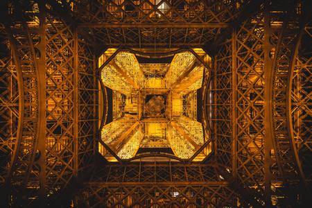 Eiffelturm - Ansicht von unten