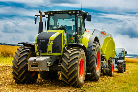 Tractor moderno
