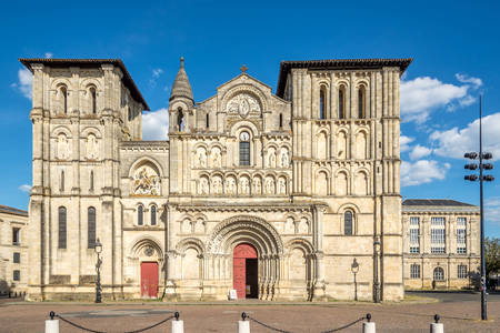 Church of the Holy Cross in Bordeaux
