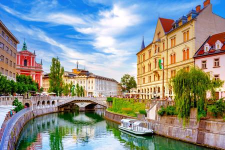 Потрійний міст через річку Любляницю