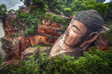 Leshan Buda heykeli