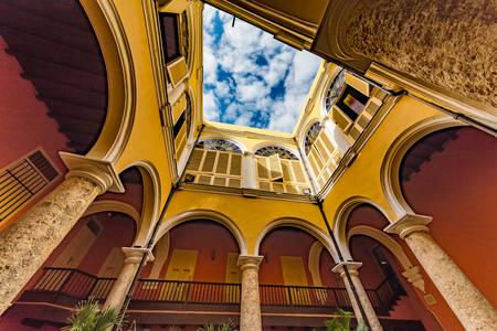 Atrium in Oud Havana