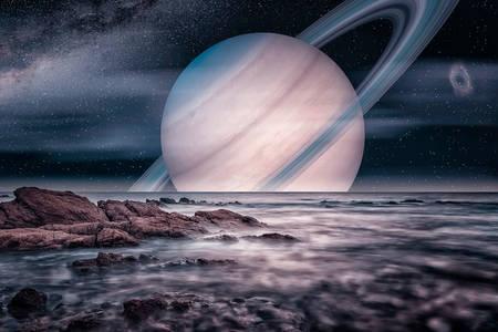 Изглед към Сатурн