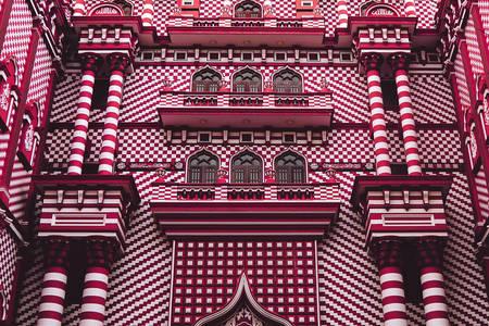 Фасад мечети  Джами Уль Альфар