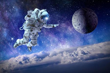 Kosmonaut u svemiru