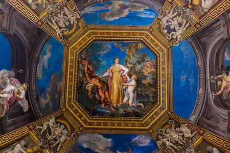 Фреска на потолке в музее Ватикана